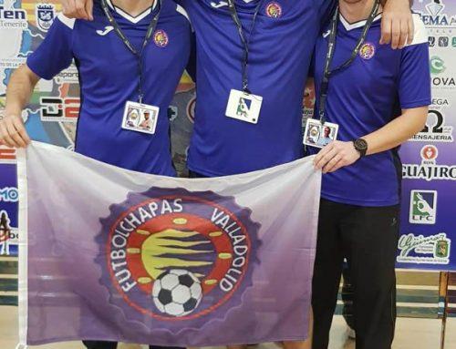 Bandera y camisetas para los Campeones de Fútbol Chapas
