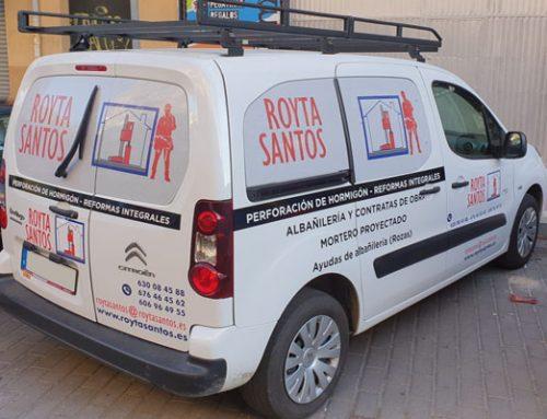 Nueva furgoneta rotulada para Royta Santos