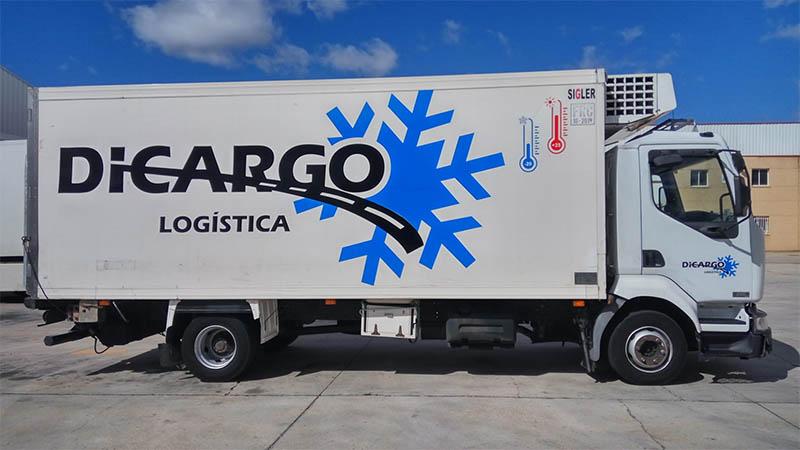 Lateral de camión rotulado