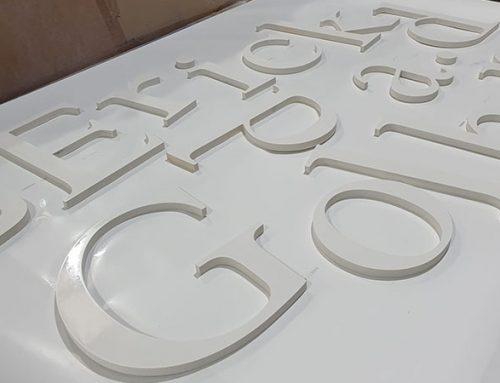 Fabricación de letras en PVC